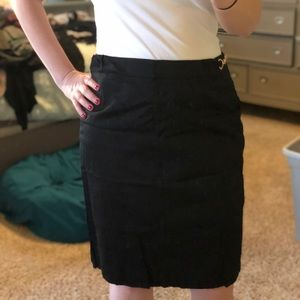 Black NY&Co skirt with gold chain